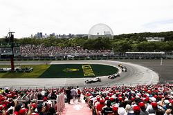 Сергей Сироткин, Williams FW41, Ромен Грожан, Haas F1 Team VF-18, и Маркус Эрикссон, Alfa Romeo Sauber C37
