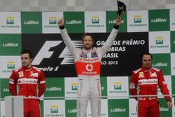 Podium: second place Fernando Alonso, Ferrari, Race winner Jenson Button, McLaren, third place Felipe Massa, Ferrari
