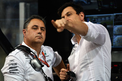 Ron Meadows, Mercedes AMG F1 Team Manager and Toto Wolff, Mercedes AMG F1 Director of Motorsport