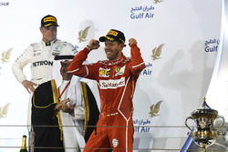 Подіум: Себастьян Феттель, Ferrari, третє місце - Валттері Боттас, Mercedes AMG F1
