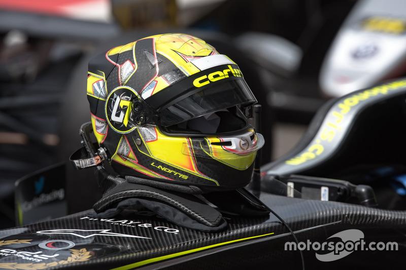 Casco de Lando Norris, Carlin Dallara F317 - Volkswagen