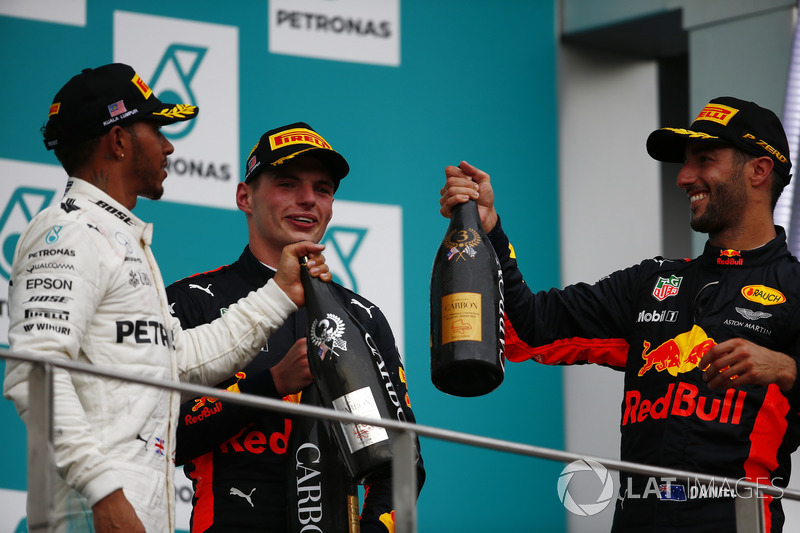 second place Lewis Hamilton, Mercedes AMG F1, Max Verstappen, Red Bull Racing, race winner, third place Daniel Ricciardo, Red Bull Racing, toast, Champagne on the podium