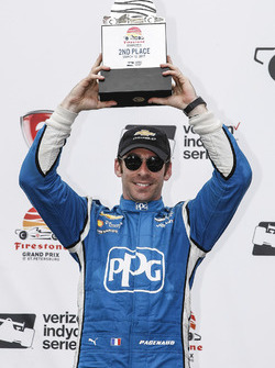 Podium: segundo, Simon Pagenaud, Team Penske Chevrolet