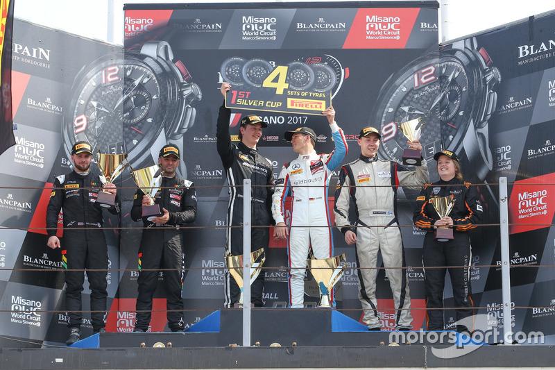 Podium Silver-Cup: 1. #85 Mercedes-AMG Team HTP Motorsport, Mercedes-AMG GT3: Fabian Schiller, Jules