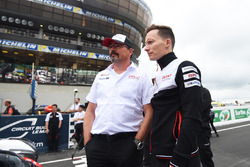 Rob Leupen, Toyota Racing, Teammanager; Mike Conway, Toyota Racing