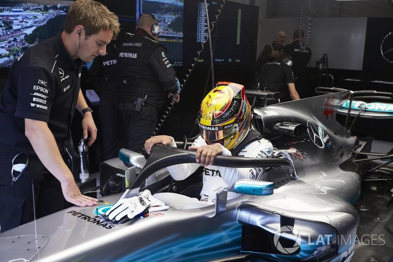 Lewis Hamilton, Mercedes AMG F1, con el halo