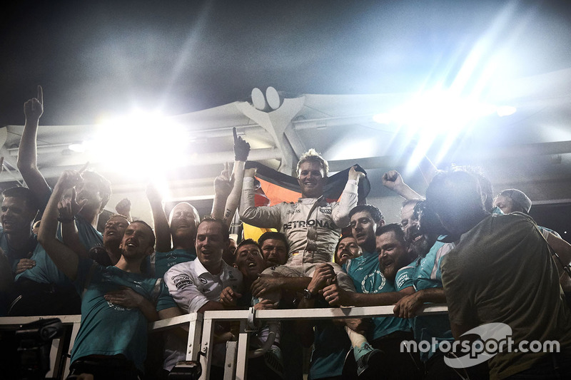 Nico Rosberg, Mercedes AMG F1 celebra su primer título del Campeonato Mundial de pilotos