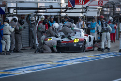 #91 Porsche Team Porsche 911 RSR: Richard Lietz, Frédéric Makowiecki, Patrick Pilet