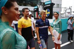 Jolyon Palmer, Renault Sport F1 Team, Marcus Ericsson, Sauber