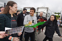Fernando Alonso with fans