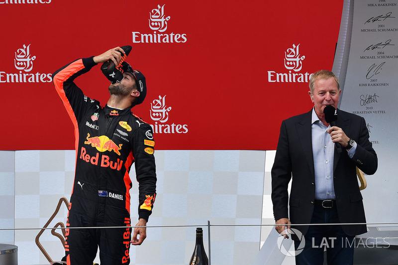 Ricciardo no se baja del podio