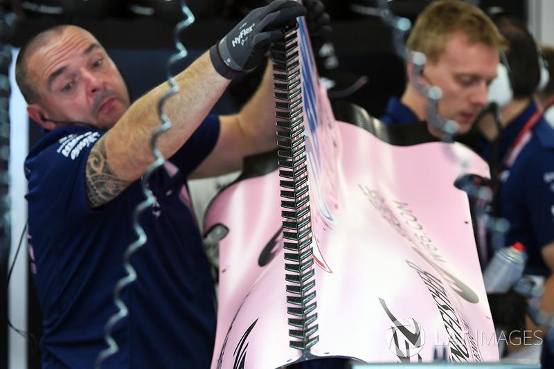 Force India VJM10: Motorhauben-Finne