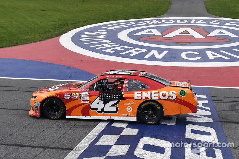 Kyle Larson, Chip Ganassi Racing Chevrolet celebrates his win