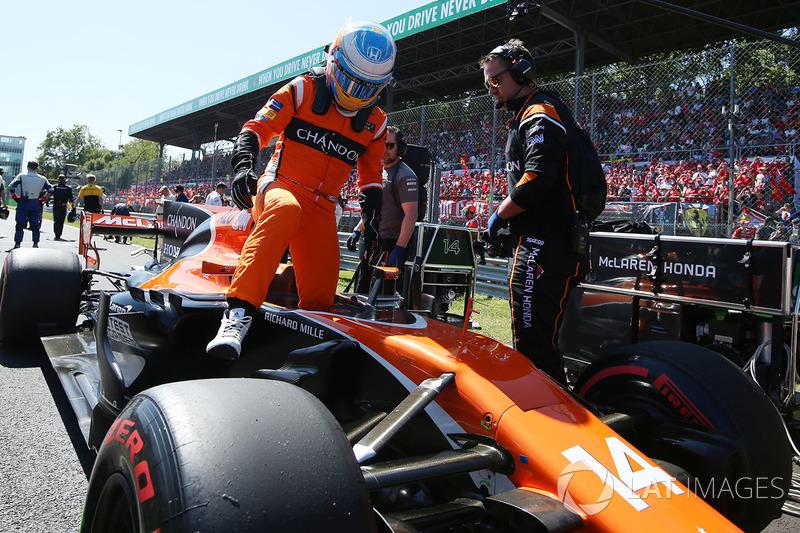 Polémica con Palmer en Monza y abandono a última hora