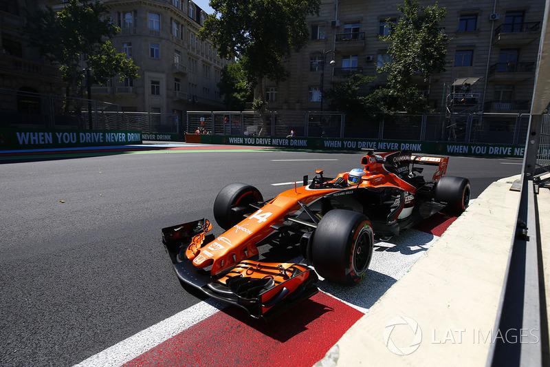 16º Fernando Alonso, McLaren MCL32 (2 puntos)