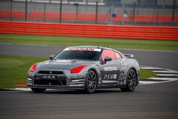 Nissan GT-R с дистанционным управлением