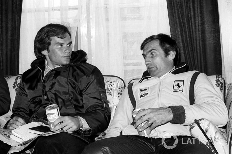 Питер Уиндзор, журналист, и победитель гонки Карлос Рейтеман, Ferrari