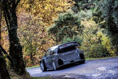 Tests de la Toyota Yaris WRC sur asphalte