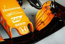 Logo de Honda en la nariz de la McLaren MCL32