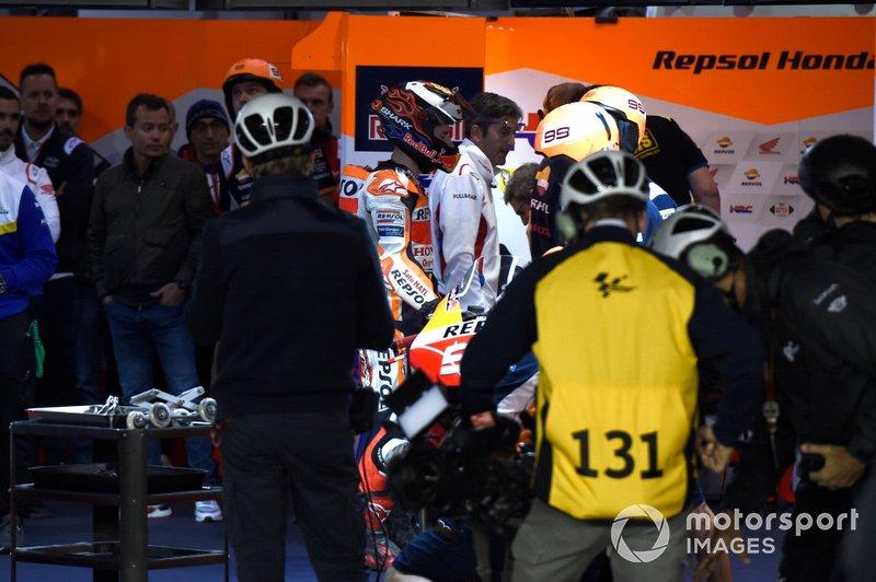 Jorge Lorenzo, Repsol Honda Team, después de su caída