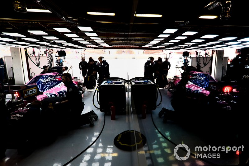 Sergio Perez, Racing Point RP19, returns to the garage