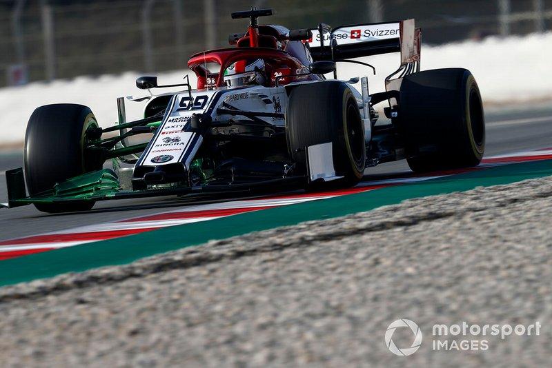 Antonio Giovinazzi, Alfa Romeo Racing C38, con la vernice aerodinamica sull'ala anteriore