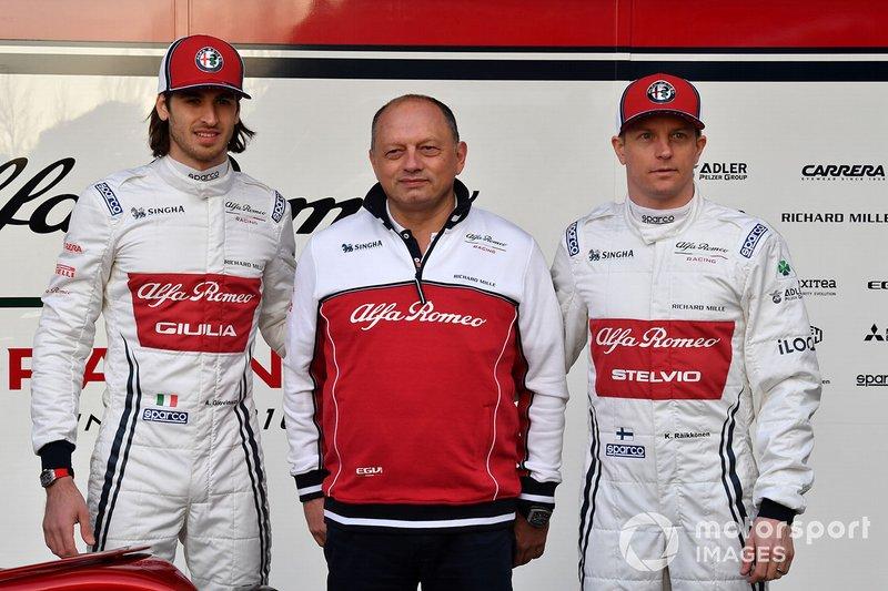 Kimi Raikkonen, Alfa Romeo Racing, Antonio Giovinazzi, Alfa Romeo Racing, Frederic Vasseur, Team Principal Alfa Romeo Racing