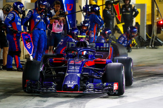 Pierre Gasly, Scuderia Toro Rosso STR13, leaves his pit box after a stop