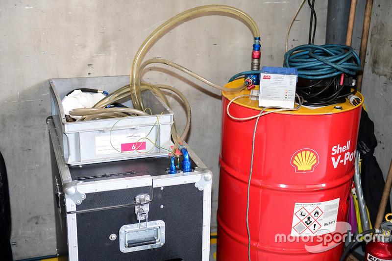 ميكانيكي إعادة تعبئة الوقود