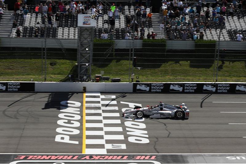 Will Power, Team Penske Chevrolet prende la bandiera a scacchi