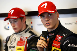 Press Conference: Niko Kari, Motopark Dallara F316 – Volkswagen