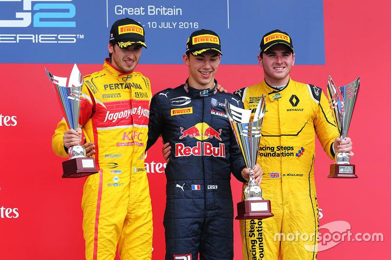 Podio: il vincitore Pierre Gasly, Prema Racing, il secondo classificato Antonio Giovinazzi, Prema Racing e il terzo classificato Oliver Rowland, MP Motorsport