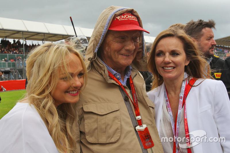 Niki Lauda, Mercedes con Emma Bunton y Geri Halliwell