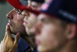 Карлос Сайнс мл., Scuderia Toro Rosso, Даниил Квят, Scuderia Toro Rosso и Макс Ферстаппен, Red Bull