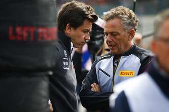 Toto Wolff, Executive Director (Business), Mercedes AMG, with Mario Isola, Racing Manager, Pirelli Motorsport