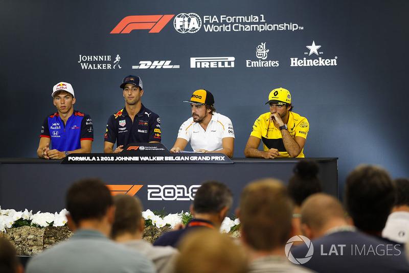 Pierre Gasly, Toro Rosso, Daniel Ricciardo, Red Bull Racing, Fernando Alonso, McLaren, et Carlos Sainz Jr., Renault Sport F1 Team, en conférence de presse