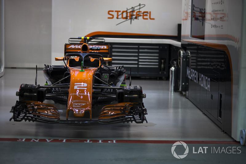 McLaren MCL32, in der Garage
