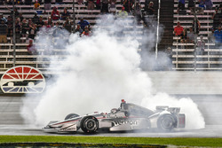 Will Power, Team Penske Team Penske Chevrolet celebrates the win with a burn out