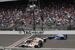 Ed Jones, Dale Coyne Racing Honda Helio Castroneves, Team Penske Chevrolet Takuma Sato, Andretti Autosport Honda