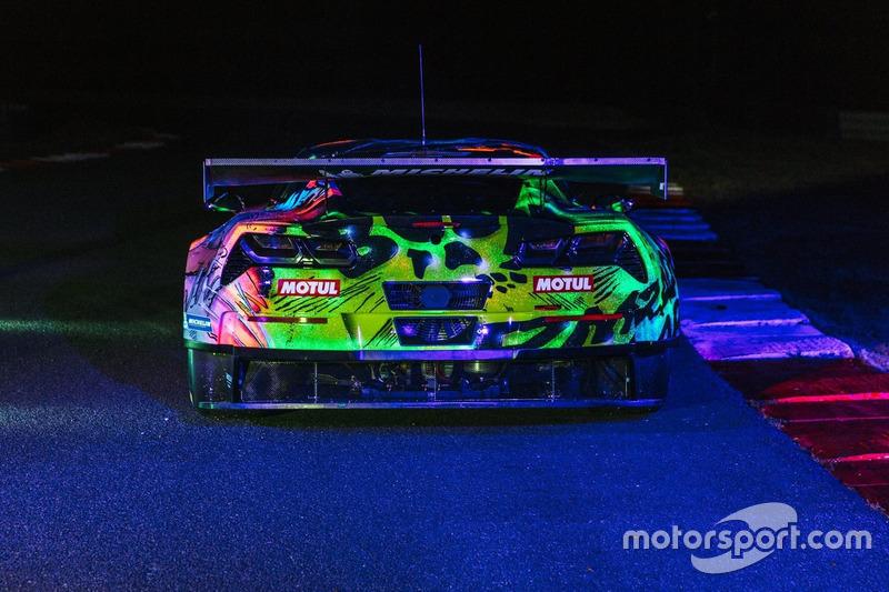 A Larbre Competition fényezése Le Mansra