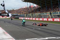 Joan Mir, Leopard Racing, Bo Bendsneyder, Red Bull KTM Ajo crasht