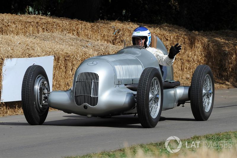 Mercedes W25 Roland ASch