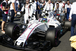 Felipe Massa, Williams FW40, arrives on the grid