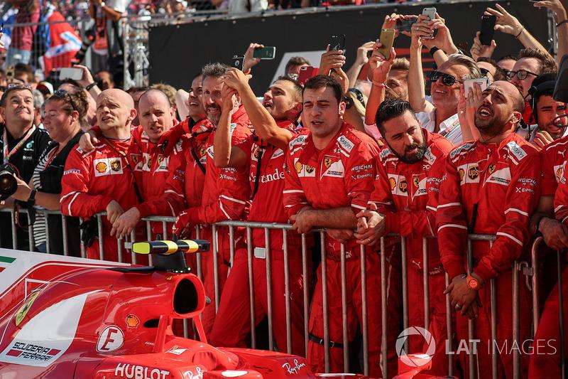 Ferrari святкує