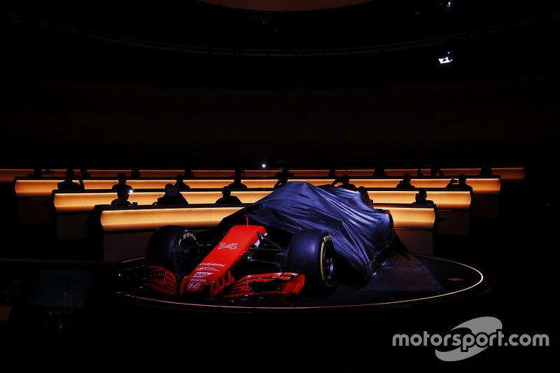 Формула 1 Выбираем самую красивую и некрасивую машину сезона