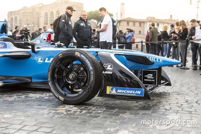 Renault e.Dams coche de exhibición en Roma