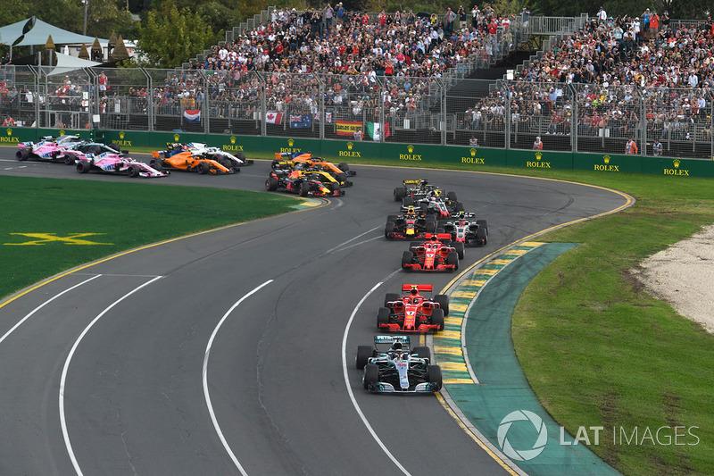 Lewis Hamilton, Mercedes-AMG F1 W09 EQ Power memimpin