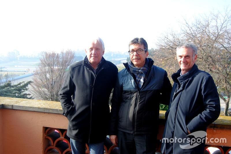 Чарлі Вайтінг, гоночний директор  FIA Ф1, Аман Барфул, представник адміністрації траси Барселона-Каталонія, Франко Унчіні, директор по безпеці FIM