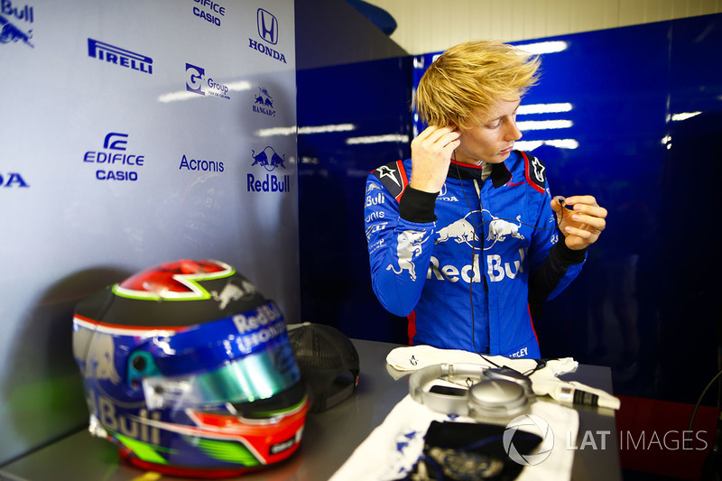Brendon Hartley, Toro Rosso, en el box