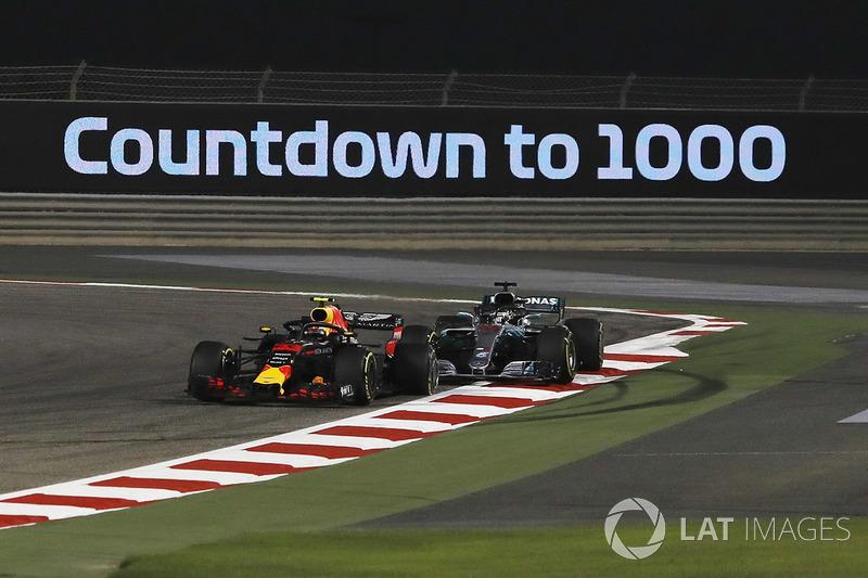 Зіткнення Макса Ферстаппена (Red Bull RB14 TAG Heuer) і Льюіса Хемілтона (Mercedes AMG F1 W09)